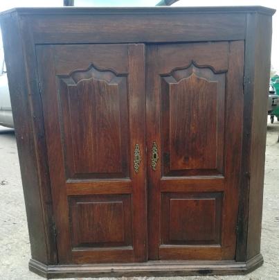 Elm Corner Cabinet Front 2