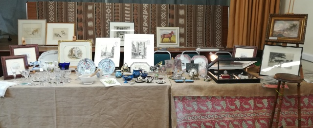 Our May stallholder infront of the stage at Bibury..... https://foxhousefineart.co.uk/contact-us